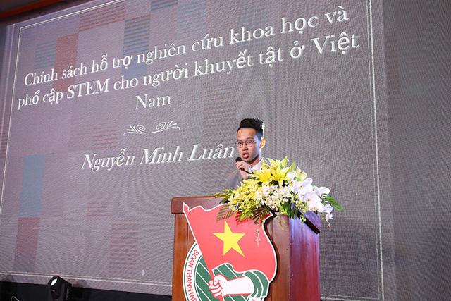 Từng gặp tai nạn chấn thương não, anh Nguyễn Minh Luân lấy cảm hứng từ câu chuyện của chính mình để nghiên cứu chủ đề giáo dục STEM-STEAM cho người khuyết tật