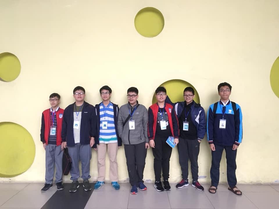Các học sinh CLB Học viện STEAM tham dự Hội thi Tin học trẻ 2019 cấp Quận Cầu Giấy