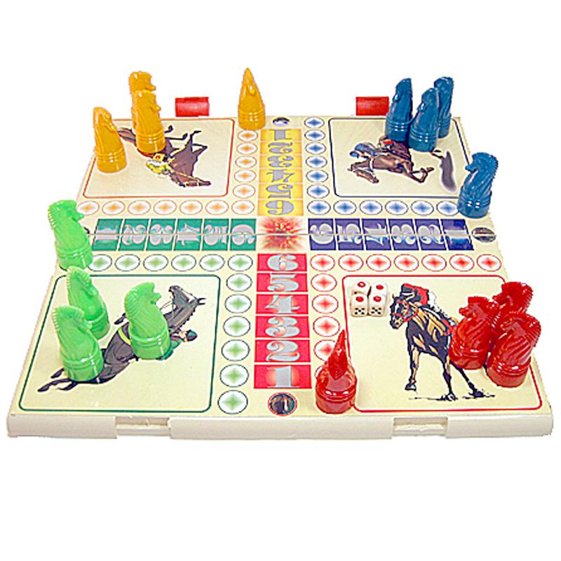 Cá ngựa cũng được coi là một boardgame nổi tiếng và rất quen thuộc của người Việt Nam