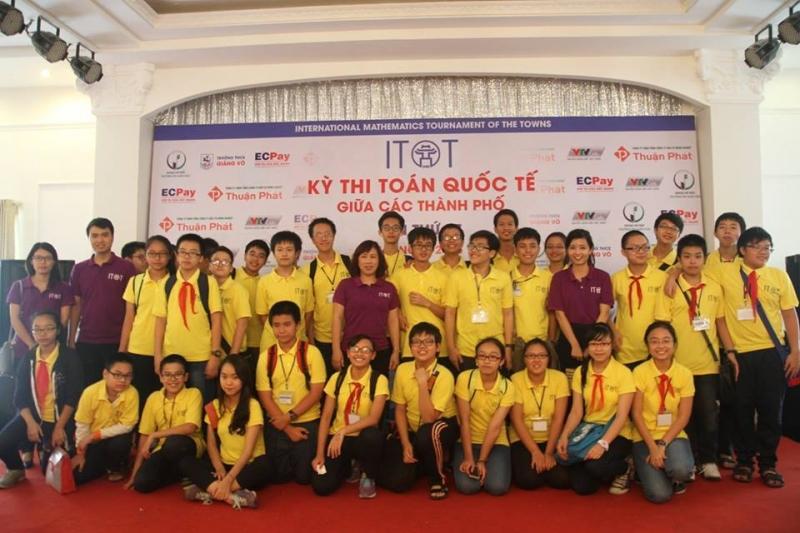 Đoàn học sinh Việt Nam tại lễ tổng kết